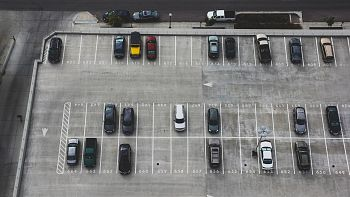 Rules of parking cars in Greece. How to find and to pay for them